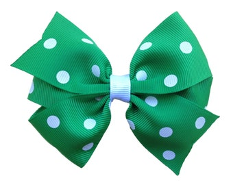Green & white polka dot hair bow - 4 inch green polka dot bow, pinwheel bow, girls hair bows, toddler bows, green bows, polka dot bows
