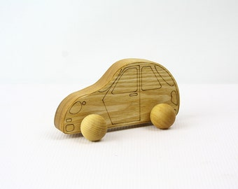 Wooden Car Hatchback / Eco-Friendly / Rolling Baby Toy
