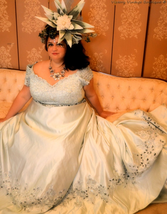 Victorian Plus Size Wedding Dresses - Overlay Wedding Dresses