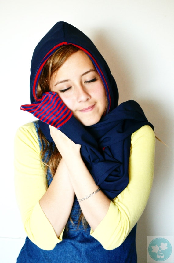 Hood scarf. Stripes. Blue. Red. Nautical. Velour. Hooded scarf. Scoodie. Scarves with hood. Reversible. Smooth. Soft. Striped.