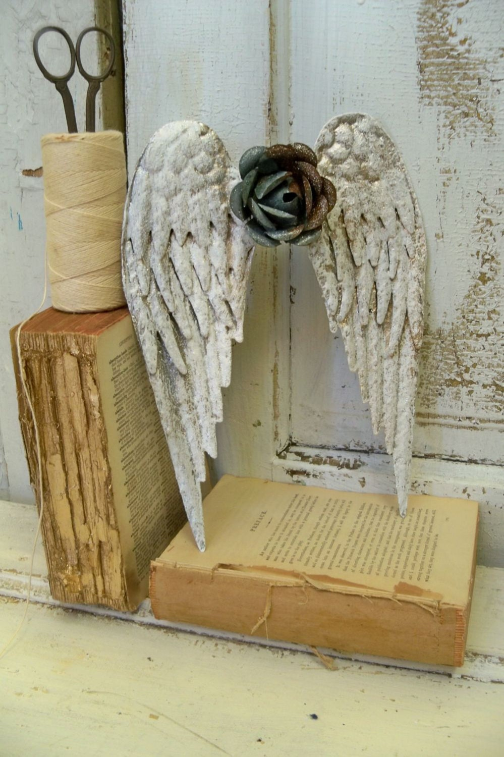 Metal angel wings wall sculpture shabby chic rusty rose for Angel wall decoration