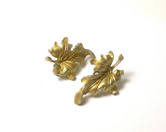 Vintage Trifari Earrings - Gold Tone Clip-ons Leaf Earrings - Fall Earrings - Clip on - Leaves - Designer Jewelry - Price Reduced # 1432