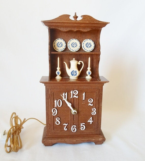 Vintage Spartus Electric Wall or Desk Clock Minniture China Hutch with Blue and White Dishes Early American Cottage Chic 1960's