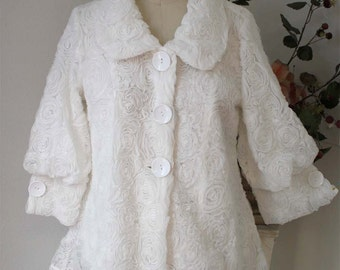 Dashing and chic High Fashion, Lagenlook Plus size Artsy jacket in White Medium to 3XL