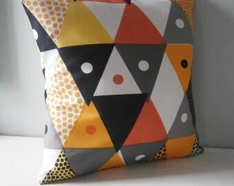 Aztec Geometric Triangle geek Cushion / Pillow cover
