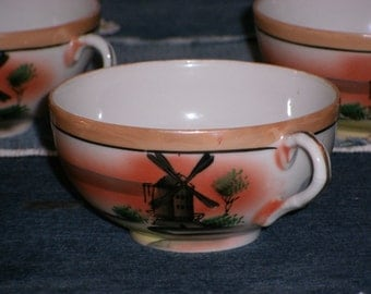 Tea Cups Set of 6 Porcelain Peach Luster (Lustre), Beautifully Hand Painted Windmills, Japan 1940s to 1950s