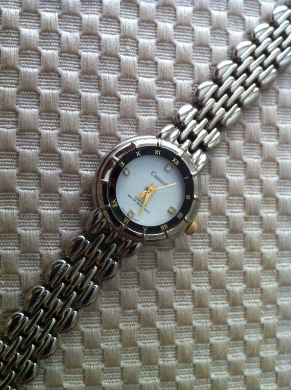 CASSANT Quartz Ladies Women's Watch / Easy Care Battery Watch Keeping Good Time / Free Shipping