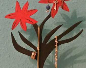 Jewelry stand in flower form