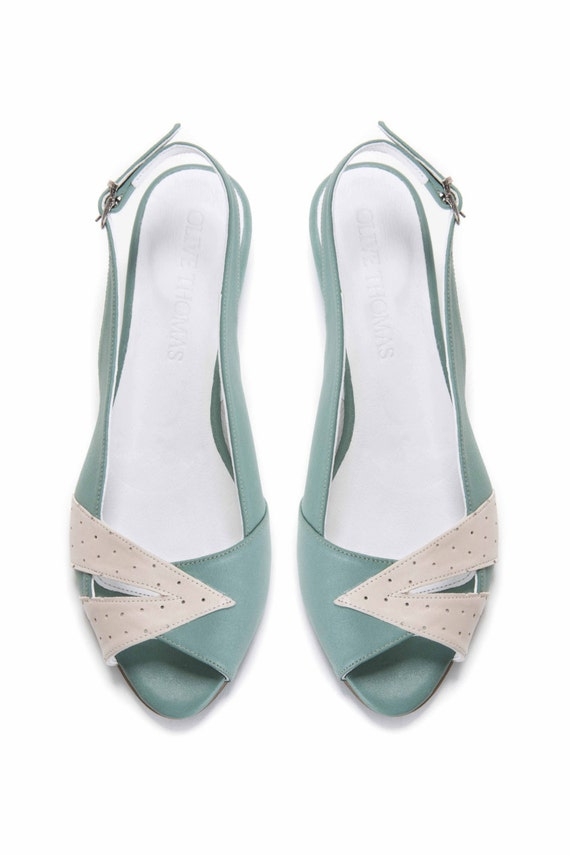 DREAM PAIRS Women's Dories Low Wedge Peep Toe Flats Shoes. Brand New. $ Buy It Now. Free Shipping. 10% off. DREAM PAIRS Women's Dories Low Wedge Peep Toe Flats Shoes. Brand New. $ Buy It Now. Free Shipping. Women Summer Beach Peep Toe Flat Sandals Ankle Strap Flat Summer Casual Shoes US. Unbranded. $ Buy It Now.