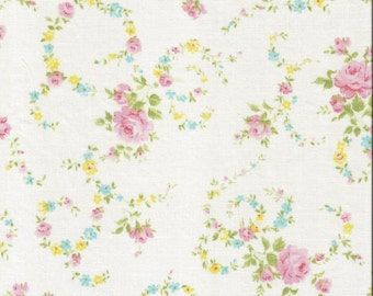 ONE Sweet Vintage Sheet Fat Quarter, Vintage Floral Fabric, Vintage Fabric, Reclaimed Fabric, Sewing Supplies, Quilt Supplies, RPR1