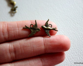 10 x Flying Bird Bronze Tone Charms