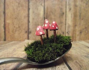 Red and White Caly Mushrooms - Raku Fired - Glow in the Dark - Terrarium mushroom - Fairy Garden mushrooms - Supplies - Handmade -Gypsy Raku
