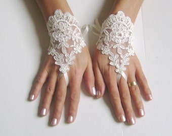Fingerless glove lace Ivory Wedding gloves bridal gloves lace gloves fingerless gloves french lace gloves gloves free ship