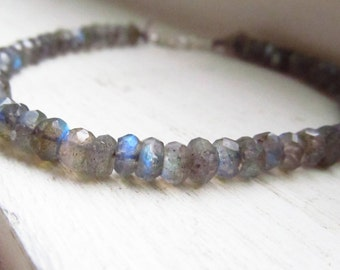 Labradorite bracelet blue fire grey silk thread silver delicate elegant