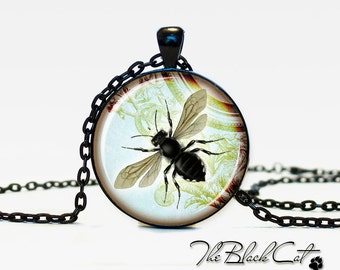 Insect jewelry Bug necklace the bug pendant bug jewelry vintage style