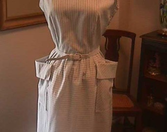 1950s Blue Check cotton dress, boat neck, sleeveless, has two large pockets, S16