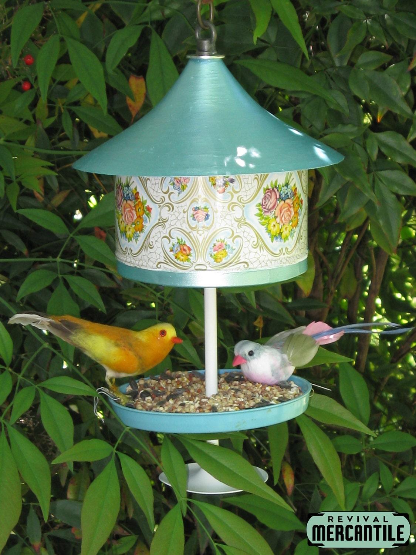 Vintage retro 1950s 1958 floral cookie tin bird feeder for Bird feed tin