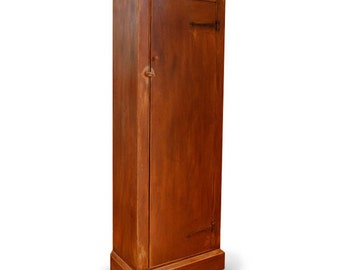 Colonial Small Linen Cabinet