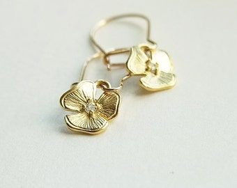 Matte Gold Diamond Detailed Flower Ear-rings // Gold Filled Kidney Ear-wires // Cubic Zirconia Centre // Petite Jewelry  (One Pair)