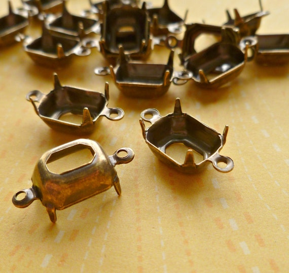 12 Brass Settings - 10x8mm Octagon Two Loops (48-14-12)