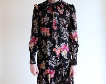 60s dress -  empire waist folk dress - 60s floral dress - vintage 1960s tiered bow collar dress