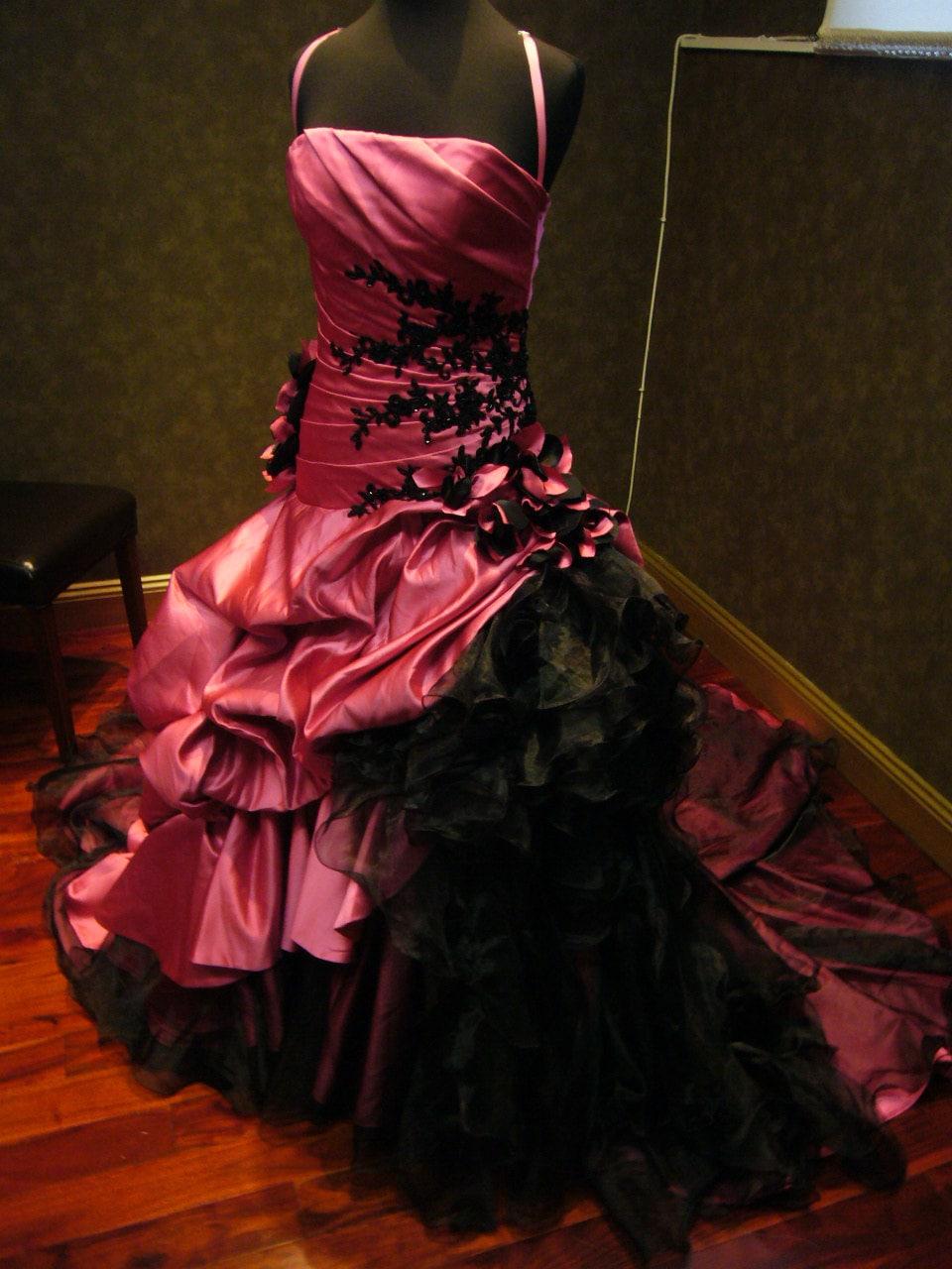 stunning pink and black wedding dress by weddingdressfantasy. Black Bedroom Furniture Sets. Home Design Ideas