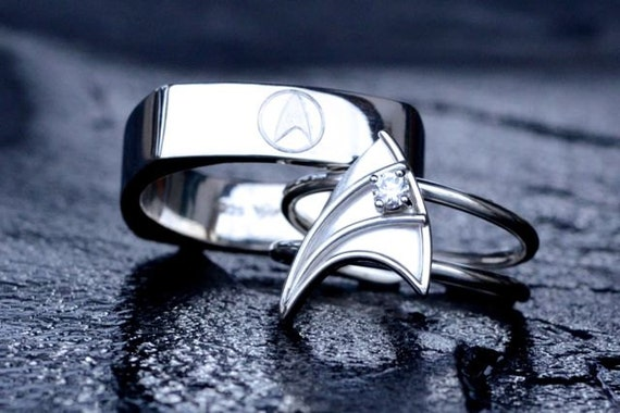 Items similar to 14K White Gold Wedding Band for Men Star Trek