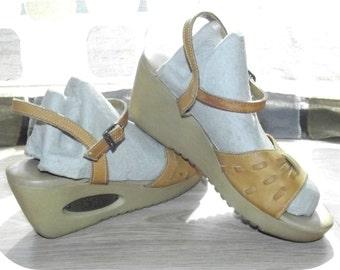 Vintage 70s Shoes | 1970s Yoyo Sandals | Platform Wedge | High Heels |  Woven Leather | By Yo Yo's  | Sz 6.5