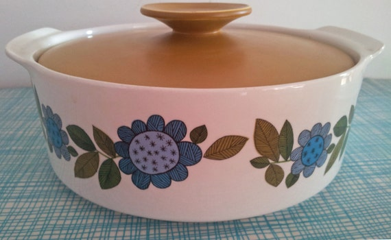 Gorgeous J & G Meakin Studio Dish and Lid  -  'Topic' Design 1967 -  Tureen Scandi Flowers