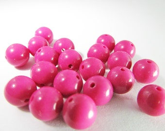 80 Vintage 8mm Fuchsia Lucite Beads Bd772