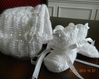 Baby CHRISTENING Custom crochet hat and bootie set, White satin ribbon with silver crosses/Paton yarn/hat and booties, FREE USA Shipping