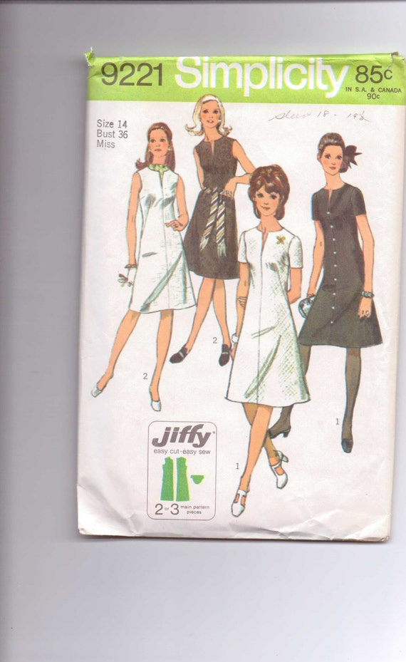 Simplicity Sewing Pattern 9221 Miss Petites and Misses Jiffy Dress Vintage 70s Size 14