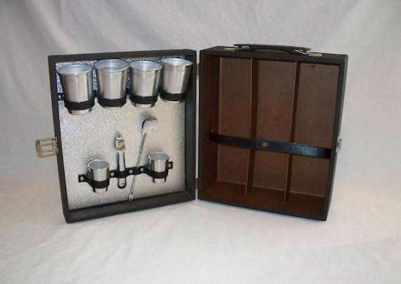 Vintage portable travel bar - Mobile bar vintage ...