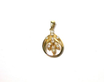 Diamond Leaf Motif Pendant - Solid 14k Yellow Gold - Oval Shape with Leaves - Weight 1.8 Grams # 1412