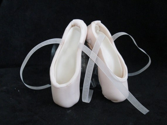 Pointe Shoe Cake Topper Ballerina Dancer By Sweetpeasugarart