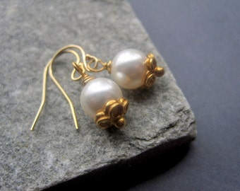 Bridal Earrings - White Pearl Earrings Gold - Classic Pearl Earrings - Bridal Earrings - Special Occasion - Everyday - Simple - Delicate