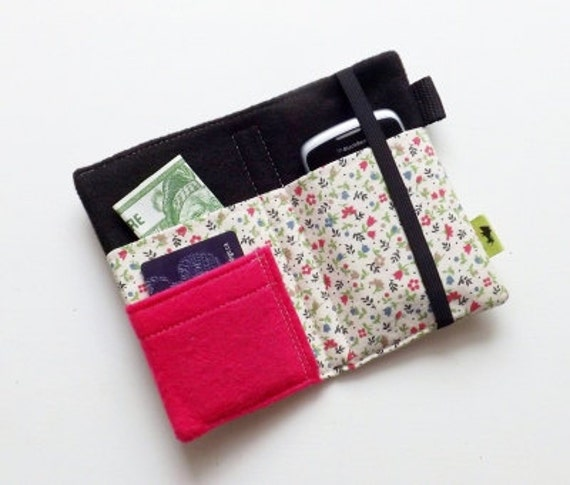 As seen on Mashable.com - iPhone wallet case, cell phone case, iPhone 4 wallet, iPod case, iphone 5 case, vintage flower fabric case, pink