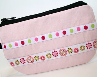 Pale Pink Fabric Wristlet, IPhone Wristlet, SmartPhone Wristlet, Zippered Wristlet