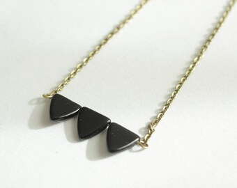 Arrow Collar Necklace with Three Triangle Design on Choker