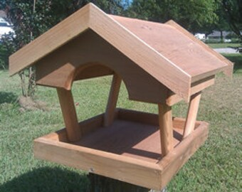 Fly Through Cedar Platform Bird Feeder