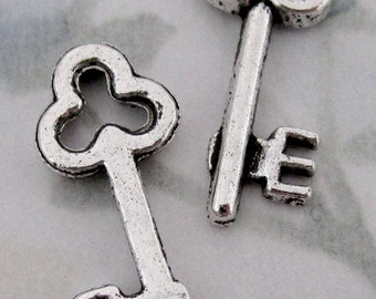 6 pcs. casted pewter key charms 23x9mm - f2878