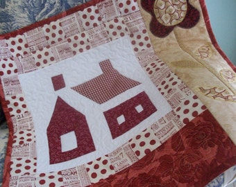 House and Flower Little Quilt, quilted, appliqued, patchwork, red, caramel beige, wall hanging, home decor, playroom decor