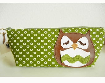Stewart the Owl Olive Polka Dots Cotton Print Canvas Carry All Case Vinyl Applique