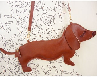 Large BBQ the Dachshund Dog Cute Vintage Inspired Brown Vinyl Side Strap Clutch Purse Bag