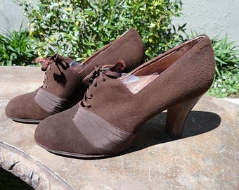 New Old Stock Vintage 1930s Brown Suede Shoes size 6.5C - REDUCED