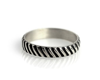 Diagonal stripes ring - sterling silver ring