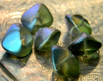 Iridescent Honeydew (6) -Czech Glass Quad Cut Ovals 11x15mm
