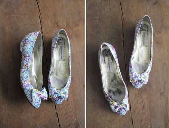 on sale // floral leather heels / floral bow heels / floral heels 8