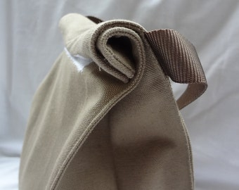 Reusable canvas lunch bag with handle-- looks like a brown paper lunch sack