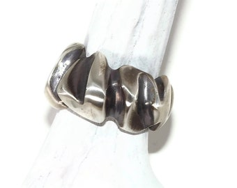 Silver Ring hand carved, heart : Valentine